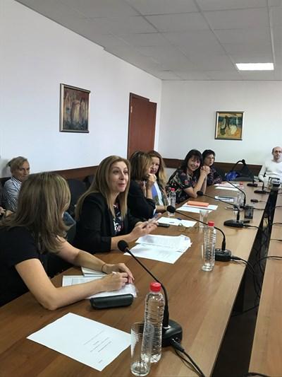 Членовете на СЕМ се събраха на заседание в петък и поискаха оставката на шефа на БНР.