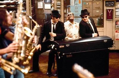 """Филмът """"Блус Брадърс"""" продължава да радва почитателите на соул музиката"""