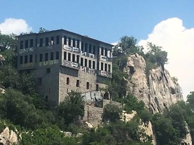Бившето Гръцко училище в Пловдив вече е притежание на митрополията. Снимка: Авторът