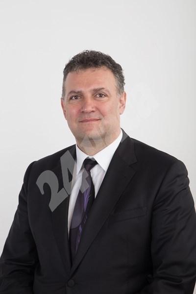 Валентин Николов.