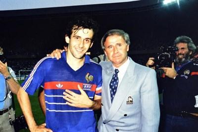 Отиде си архитектът на френския романтичен футбол Мишел Идалго