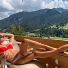 Даниела Кристиансон е сама в Швейцария