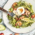 Здравословни салати с поширано яйце