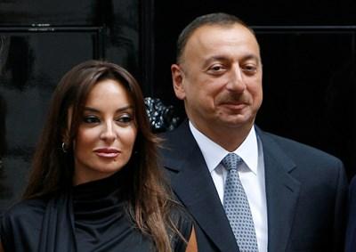 Президентът Илхам Алиев и първата дама Мехрибан Алиева СНИМКА: РОЙТЕРС