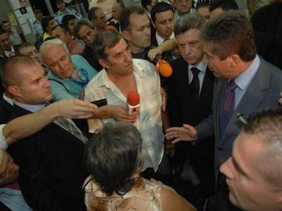 Президентът Първанов отговори по достойнство на провокативни въпроси за трагедията в Охридското езеро. Снимка Пиер Петров