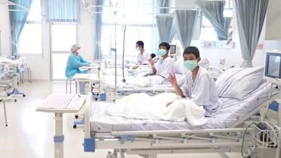 Първи кадри на спасените деца в изолирано отделение в болница СНИМКИ: Ройтерс