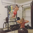 Пейдж и мъжът тренират голи