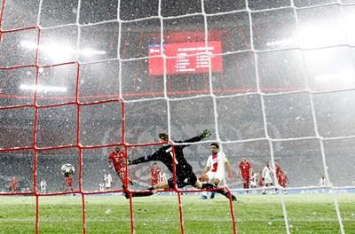 """В Мюнхен ПСЖ би с 3:2 """"Байерн"""" в първата 1/4-финална среща от Шампионската лига. СНИМКА: РОЙТЕРС"""