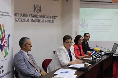 Проектът се финансира с 1,9 млн. лв. и ще позволи да се събират целенасочено данни за уязвимите групи от населението.