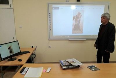 Лекцията на историка  проф.Пламен Павлов заинтригува в социалната мрежа