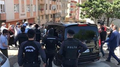 14 са задържаните лица