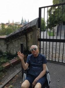 В инвалидна количка след дълго възстановяване