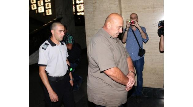 Открили скрит телефон у Туцо от Килърите в затвора