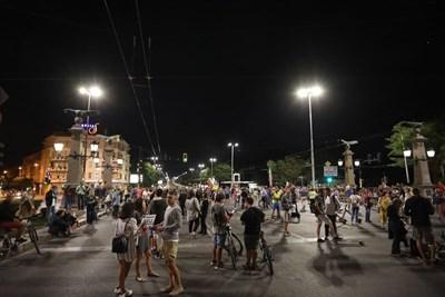 Протестиращите потеглиха на обичайното си шествие към Орлов мост и го затвориха СНИМКА: Николай Литов