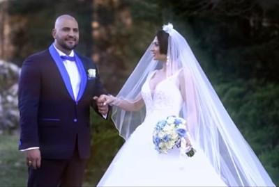 """Кадър от клипа """"Един за друг"""", в който Маринова влючи моменти от сватбата си."""