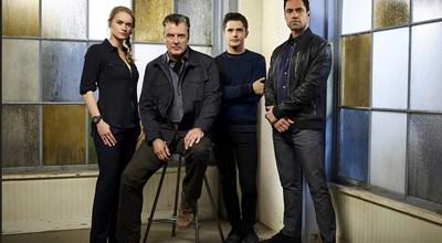Крис Нот с колегите си от сериала