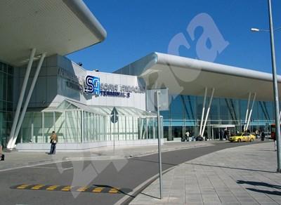 Сред основните условия за концесията на летище София са първоначално плащане от 550 млн. лв., 1,408 млрд. лв. за държавата за срок от 35 г., инвестиции за 600 млн. евро и построяване на трети терминал. СНИМКА: 24 часа