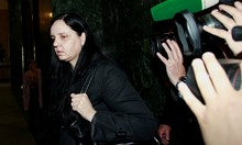 Нов адвокат на акушерката Ковачева, ще гледа записите за битото бебе