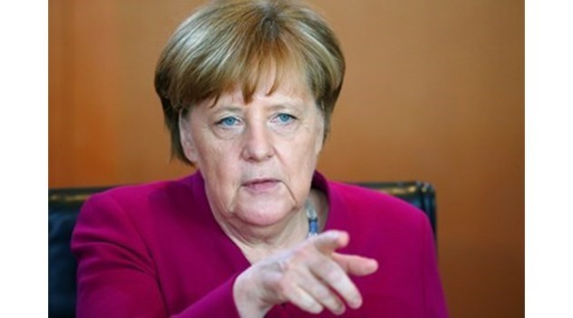 Меркел: Съществуват конфликти в отношенията ни с Еманюел Макрон