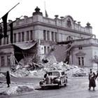 При бомбардировките през 1944 г. пострадала е и сградата на Народното събрание.