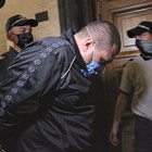 Николай Петров поиска да го пуснат вкъщи заради бременната му приятелка, но магистратите го оставиха в ареста.