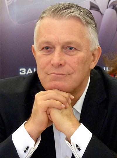 Мирослав Севлиевски: Време е да разградим и заменим ГЕРБ, както БКП през 1990 г., но не виждам кой ще води армията, както Желев