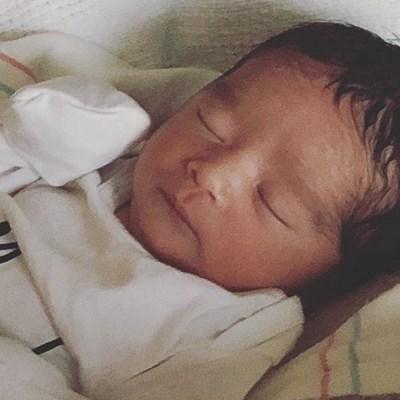 Бебето се казва Хейс Алба Уорън СНИМКА: инстаграм
