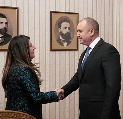 Българското домакинство беше обсъдено днес на среща на Румен Радев с посланик Херо Мустафа. Снимки прессекретариат на държавния глава