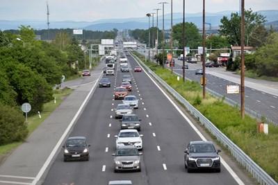 Новите стикери за годишен технически преглед след 12 юли ще дават информация и за екокатегорията на автомобилите.