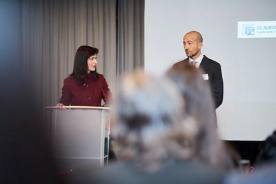 Еврокомисар Мария Габриел и Калин Пешов по време на церемонията.