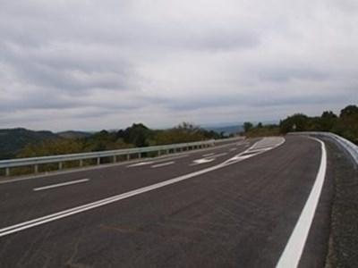 Продължава ремонтът на пътя Черешово - Юпер