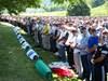 Босненските мюсюлмани почетоха паметта на жертвите от Сребреница (Снимки)