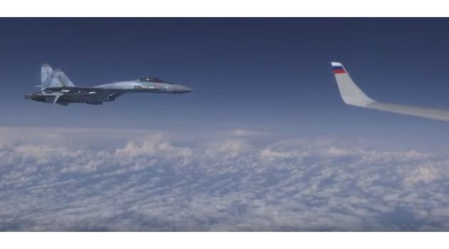 Военен самолет на НАТО опита се приближи до самолет на Сергей Шойгу (Видео)