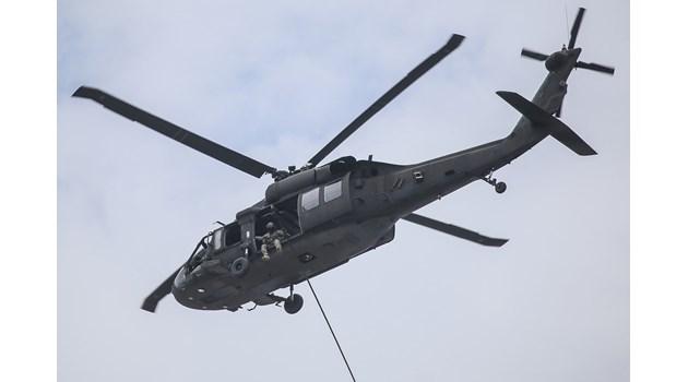 """Падналият вертолет е изпълнявал тренировка със задача """"бързо въже"""" (Снимки)"""