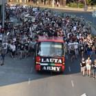 """Шествието излиза от подлеза на ул. """"Гладстон"""" на път към общината. Снимки: Руслан Йорданов"""