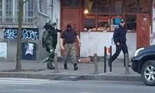 Минути по-късно движението по булеварда бе възстановено. По-рано днес сигнал за бомба имаше и за Централна гара в София, но и той се оказа фалшив.