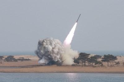 Израел нанесе удар по-рано по база на Хамас в ивицата Газа в отговор на ракетен обстрел от вчера