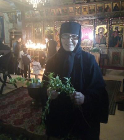 На 50 г. журналистката Димитрина Станева става монахиня и приема името сестра Ксения.