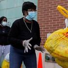Лекари в Ню Йорк недоволни от недостига на защитни облекла СНИМКА: Ройтерс