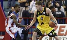 Еврограндове и НБА в битка за наш баскетболист