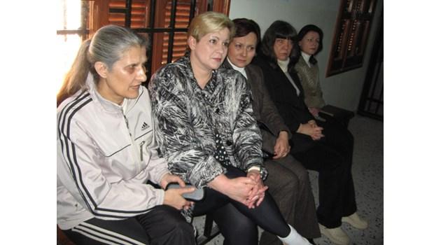 Медицинската сестра Нася Ненова след 8 г. в либийски затвори: трудноподвижна, смазана и без брак (Обзор)