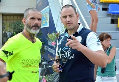 Манури с многократния ни шампион по плувен маратон Петър Стойчев. Снимки АТАНАС КЪНЕВ