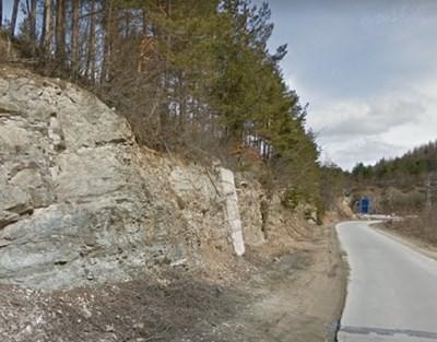 Част от пътя Средногорци-Рудозем  СНИМКА: Гугъл стрийт вю