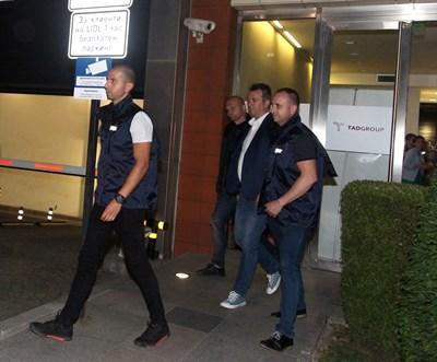 Георги Янков (в средата) бе задържан във вторник.  СНИМКА: НИКОЛАЙ ЛИТОВ