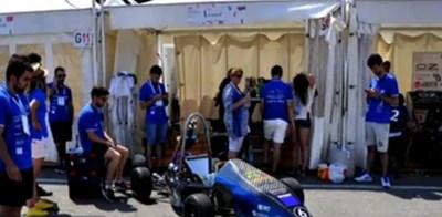 """Български студенти създадоха нов и доста мощен спортен автомобил, тип """"болид"""",  Кадър: БНТ"""