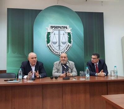 Главният прокурор Иван Гешев проведе работни срещи в Бургас, Карнобат и Айтос.