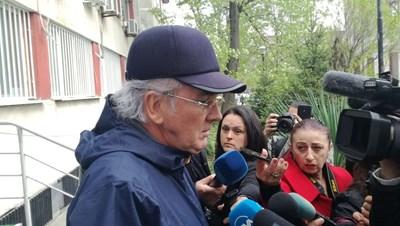 Лидерът на ДОСТ Лютви Местан отказа да коментира въпроса за вината за катастрофата. Снимка Авторът