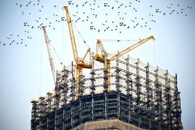 През периода април-юни е започнал строежът на 1203 жилищни сгради с 5650 жилища в тях, на 24 административни и на 622 други сгради. СНИМКА: Pixabay