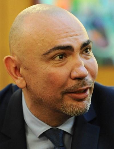 """Коментар на седмицата №1: Как """"наjголемиот македонец""""  се кълне, че е българин"""