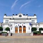 Слагат платформи за инвалиди в новата сграда на парламента